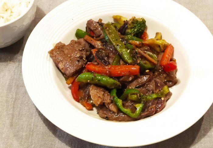 Bœuf au poivre et  légumes
