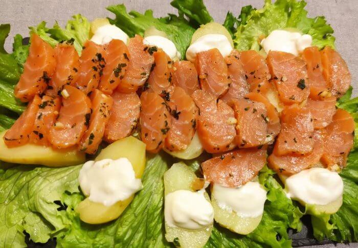 Cœur de saumon mariné au sel et au zeste de citron vert