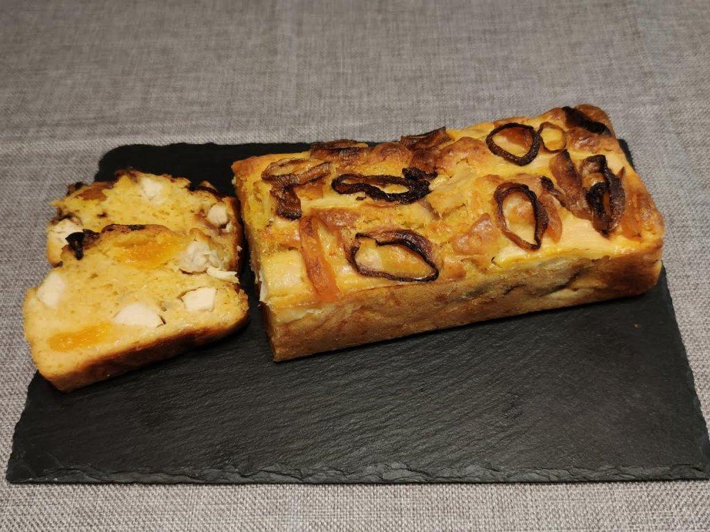 photo de Cake au curry rouge, poulet, abricots secs