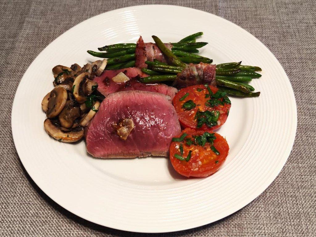 photo de Rôti de bœuf accompagné de légumes