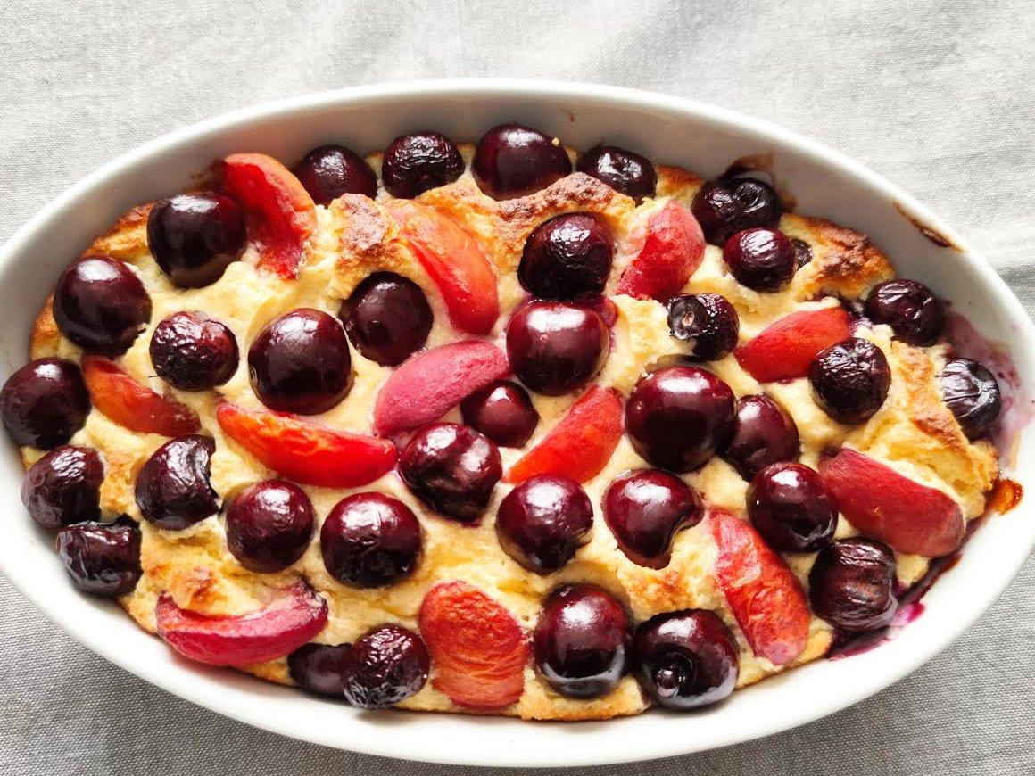 photo de gâteau léger aux fruits