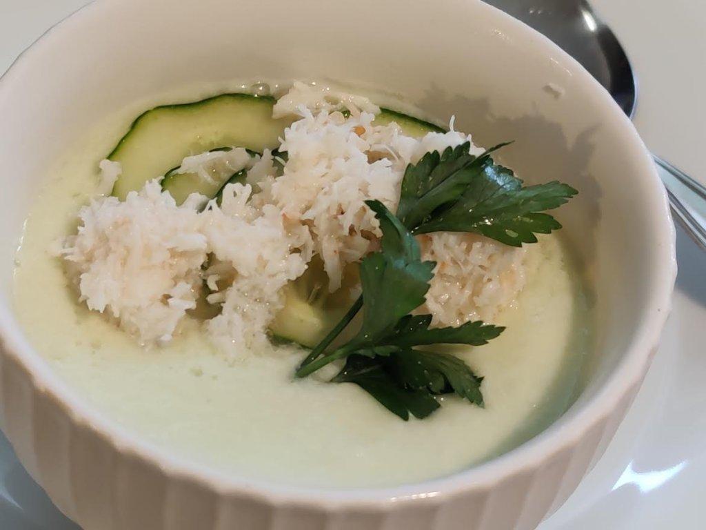 photo de Soupe froide de concombre au crabe