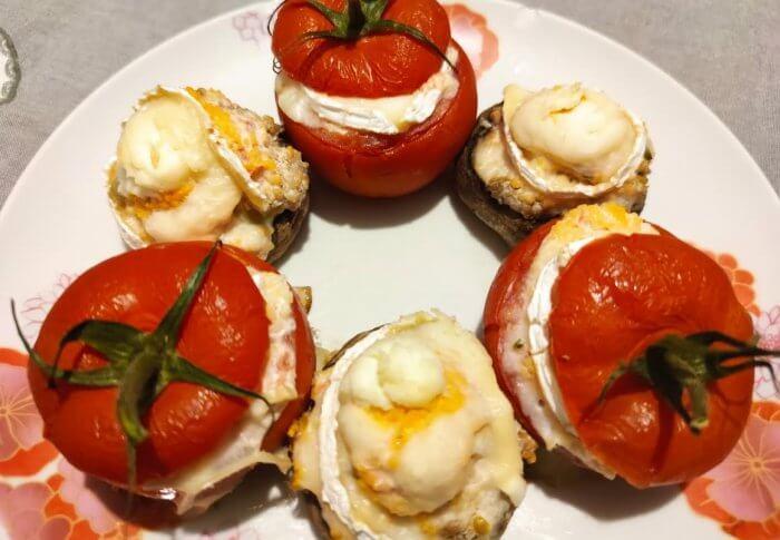 Tomates et champignons farcis au chèvre